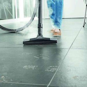 מכשיר המגיע עם ערכה מלאה לניקוי איכותי של הרצפה